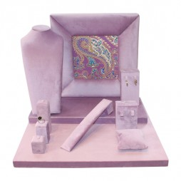 Velvet jewelry display set in lilac with cashmere print