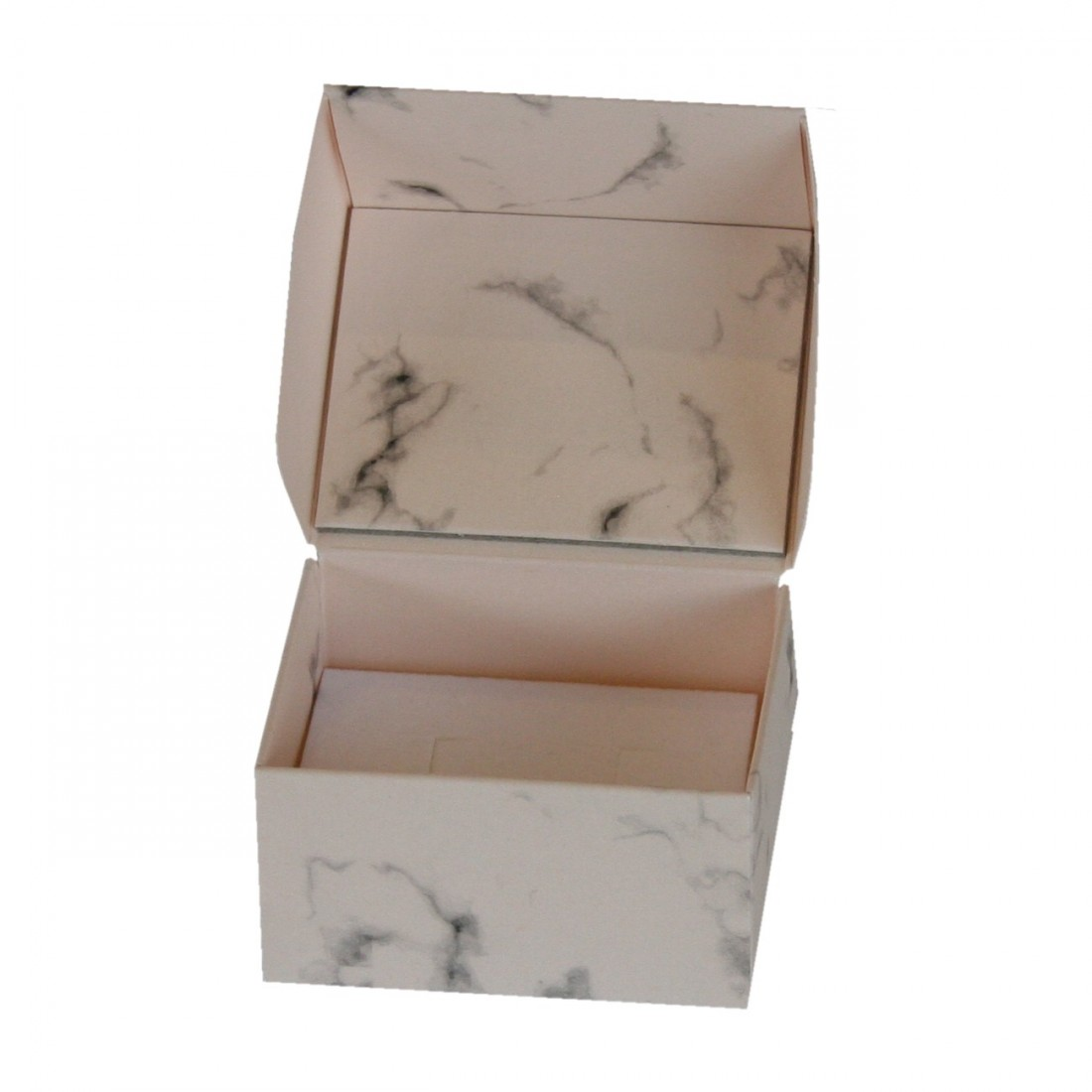 Cardboard jewellery box marble pinted in pink, for ring or earrings.