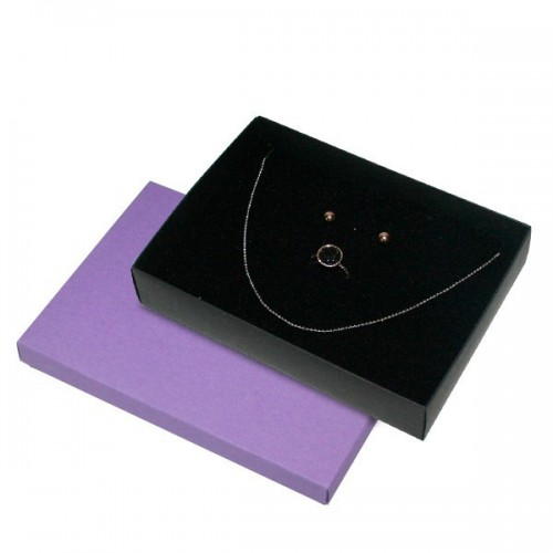 Pack Box, Necklace and dressing