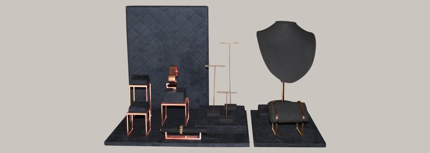Expositores de joyería, minimalistas y distinguidos