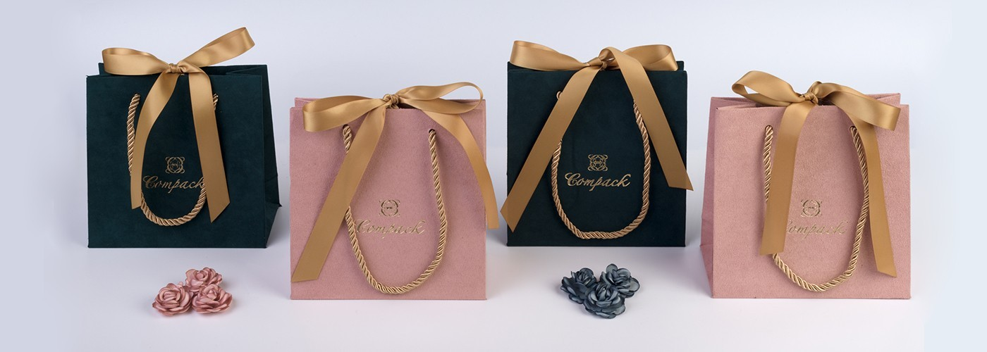 Velvet jewellery bag