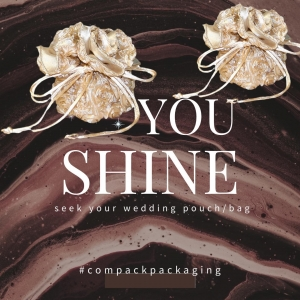 Rose bags are perfect packaging for wedding  or mother's day jewellery. . . #compackpackaging  #compackbags #jewelrybag #sacchettigioelli #pochettebijoux #weddingpackaging