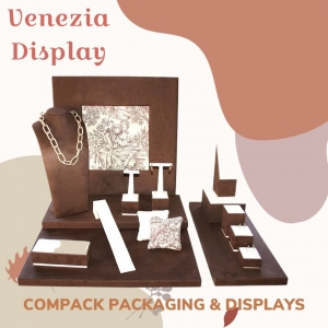 Venezia Display perfect for this winter. Ask for you perfect combination. . . .  #compackdisplays #compackescaparates #jewelrydisplays #escaparates #vitrinegioelli #vitrinbijoux