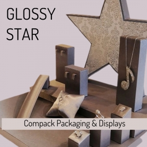 Our window display STAR ready for the more exclusive jewelry. . . #compackdisplays #compackescaparatesjoyeria #escaparatesjoyeria  #jewelrywindowdisplays #vitrinegioelli