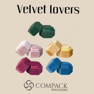 We produce in velvet all kind of products for the jewelry sector: boxes, pouches, displays,trays… ��. . #compackpackaging  #velvetlovers #velvetboxes
