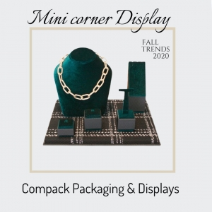 Mini corners Displays manufactured with Trendy materials for this winter. . #compackdisplays #jewelrydisplays #escaparatesjoyeria #vitrinbijoux #vitrinegioelli