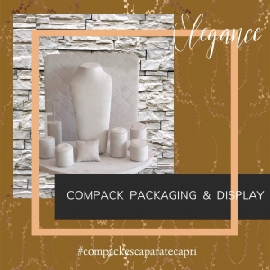 The window display Capri is a elegance collection for any space. . . #compackdisolays #jewelrydisplays #escaparatismojoyeria