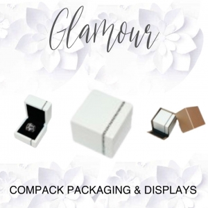 Our Diamonds boxes are manufactured in lacked wood. It is a prezious collection for the jewelry more gorgeous.  #compackboxes #compackpackaging #compackestuchesmadera #jewelrywoodbioxes