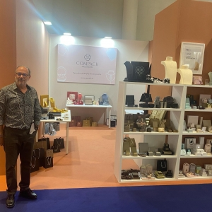 Compack ready in Vicenza Oro. You could find the best novelties in Packaging, Window displays , collection Cases manufactured with trendy and high quality materials. Don't miss it. We wait for you!! . . #compackpackaging  #vicenzaoro #jewelrypackaging #jewelrydisplays #jewelryrolls