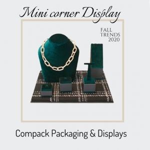 Mini corners Displays manufactured with Trendy materials for this winter. . #compackdisplays #jewelrydisplays #escaparatesjoyeria #vitrinbijoux #vitrinegioelli