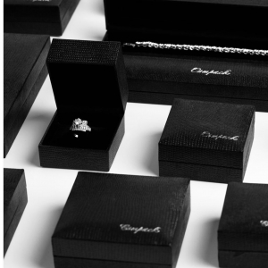 Compackpackaging living Vicenza Oro 2021. We love black! 🖤�🖤�🖤� Waiting for introducing you the new collections. . #compackpackaging #vicenzaoro2021